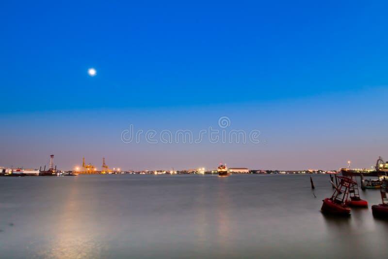 Nachtszenenhafen stockfoto