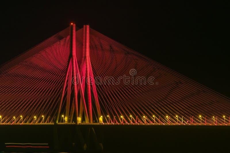 Nachtweergeven van Overzeese van Bandra Worli Verbindingsbrug, Mumbai, India Dit is een toneelconstraction royalty-vrije stock afbeeldingen