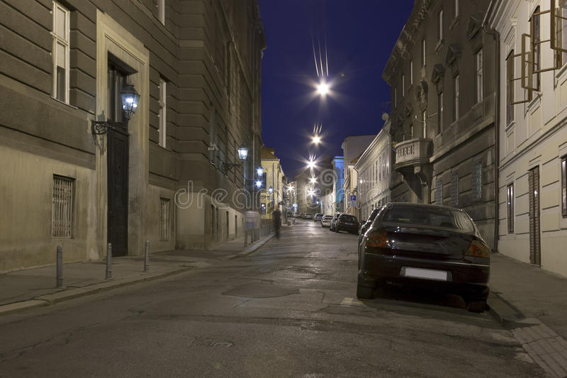 Nachtzagreb-Straße stockfotografie