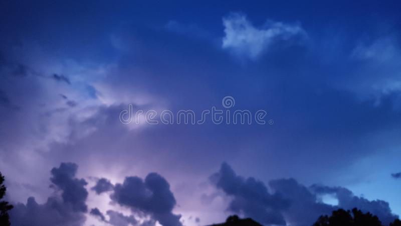 Nachtzeithimmel stockbild