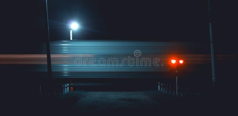 Nachtzugfahrten stockfotos