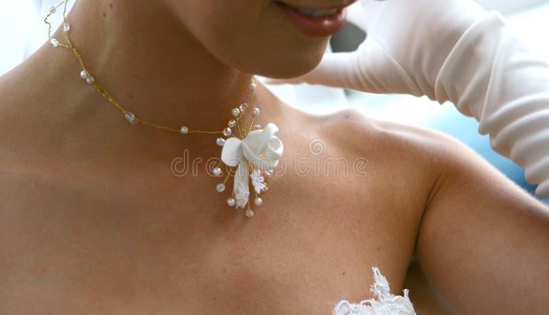 Nacklace di cerimonia nuziale fotografia stock libera da diritti