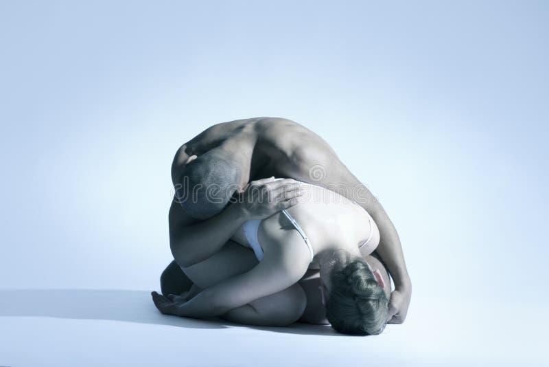 Nackte ausdrucksvolle Tanz-Paare stockfotos