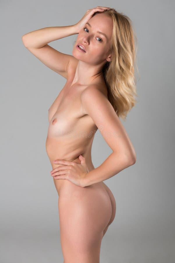 Blondine nackte Deutsche Blondine