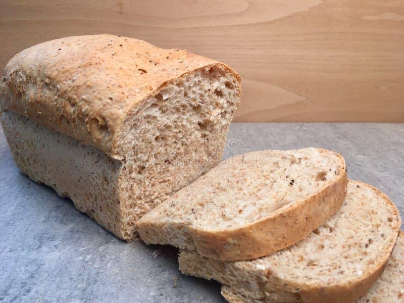 Nacos de pão integral frescos imagens de stock royalty free