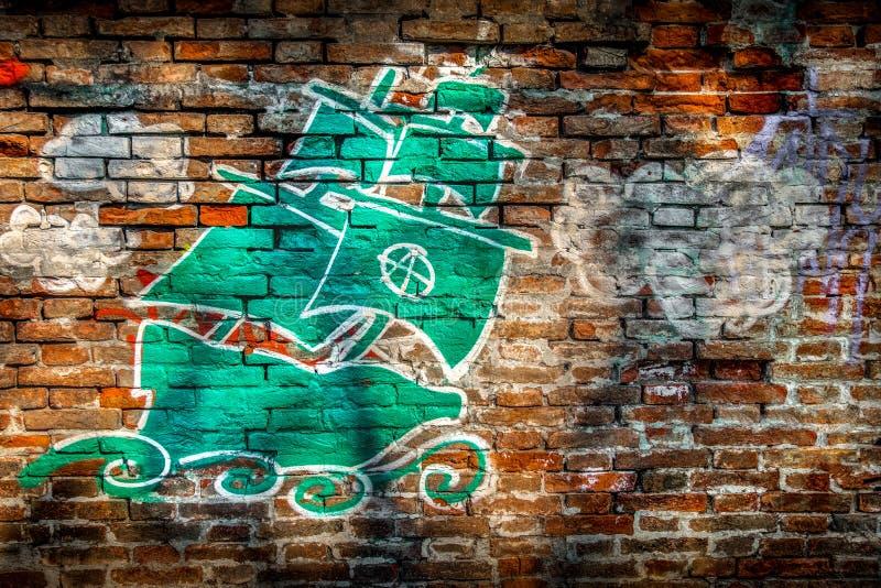 Naczynie graffiti ściana z cegieł anarchii symbol zdjęcie royalty free