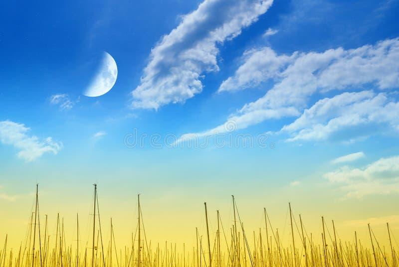Download Nad Molem Zadziwiający Niebo Obrazy Stock - Obraz: 27073714