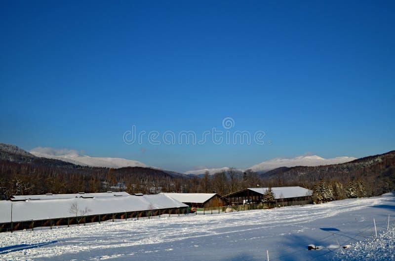 nad niebem błękitny góry fotografia stock