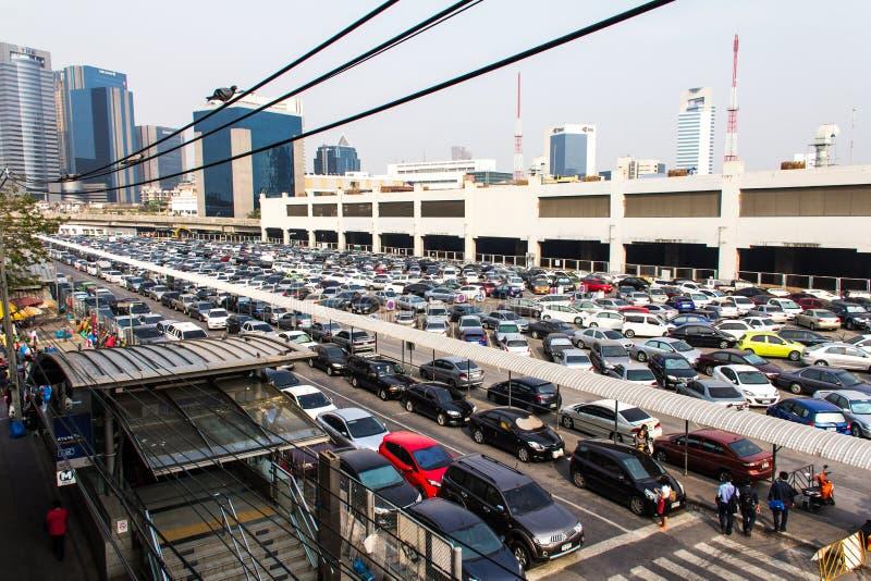 Nad parking samochodowy folujący obraz stock