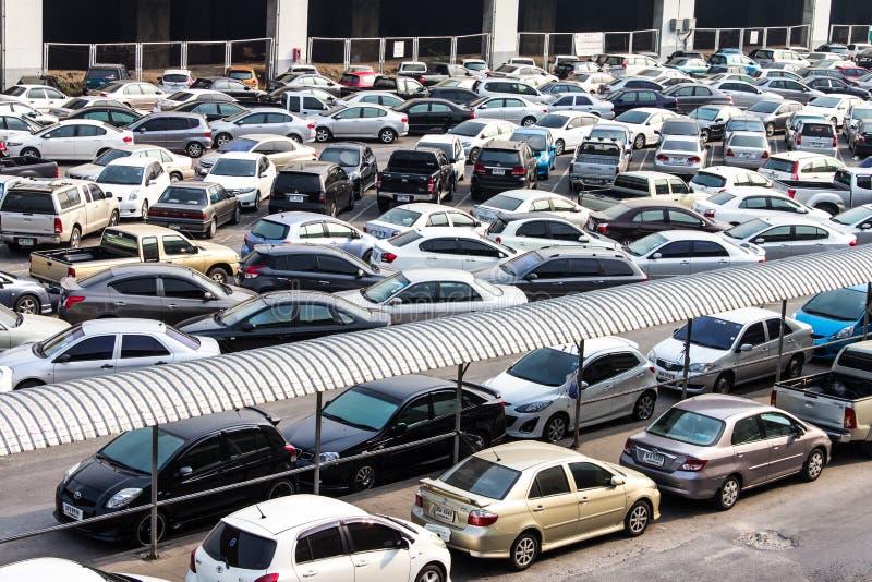 Nad parking samochodowy folujący zdjęcia stock