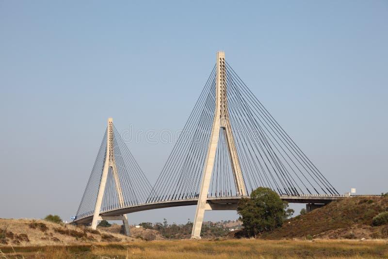 nad Portugal rzeką bridżowy Guadiana obraz royalty free