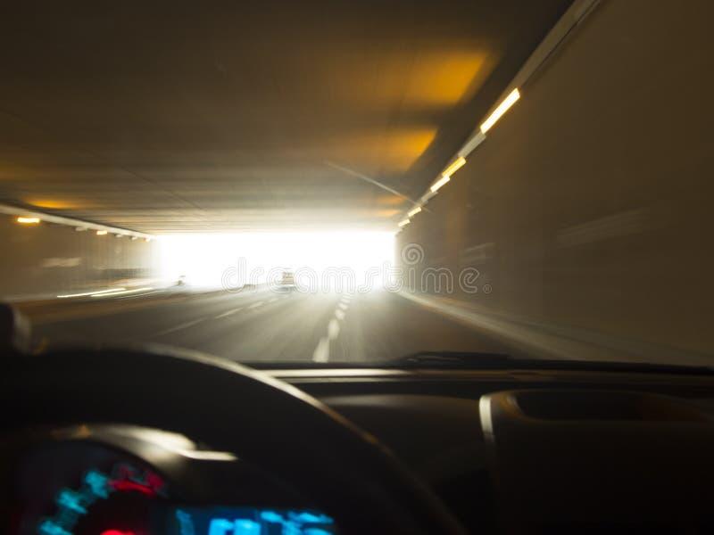 Nad prędkość pojazdem w tunelu zdjęcia stock