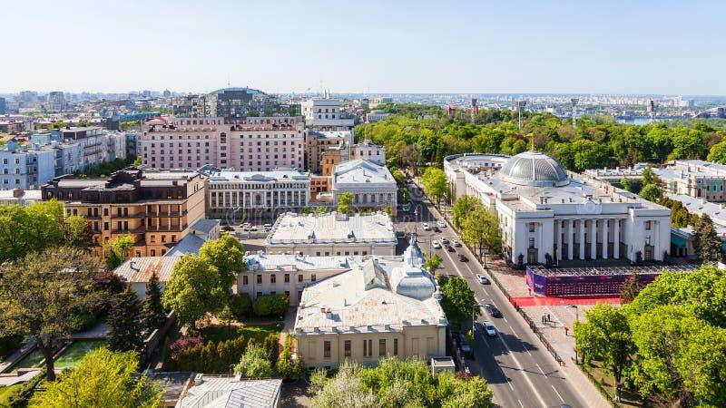 Nad widok Hrushevskoho ulica w Kijowskim mieście fotografia stock