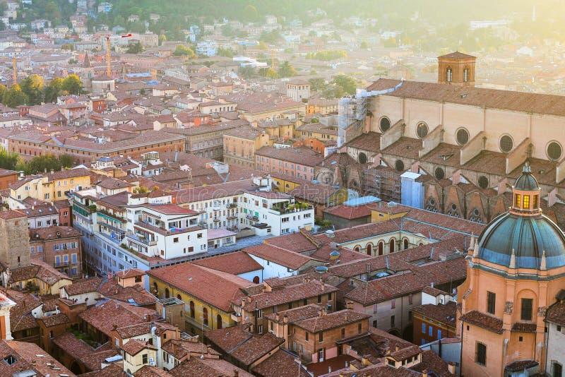 Nad widok mieszkań buildinds w Bologna miasteczku zdjęcie stock