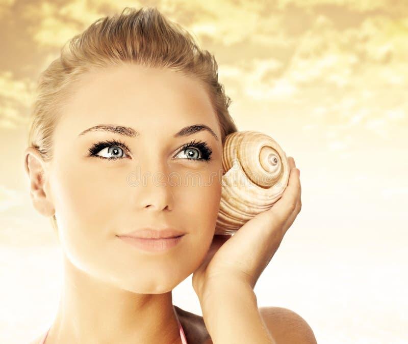 nad zmierzch kobietą plażowa piękna twarz obrazy royalty free