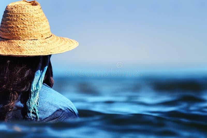 Nadada da mulher no vestido fotografia de stock royalty free