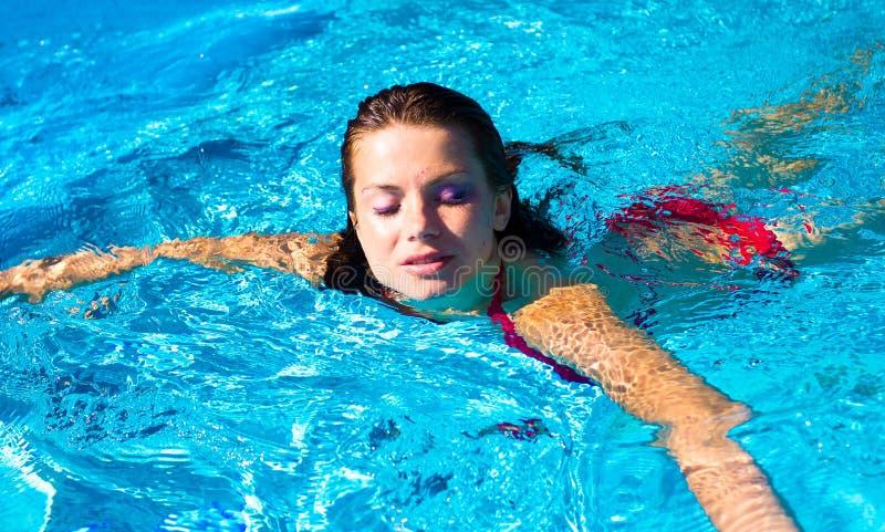 Nadada femenina fotografía de archivo libre de regalías