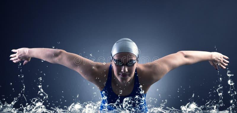 Nadadas do nadador. imagens de stock