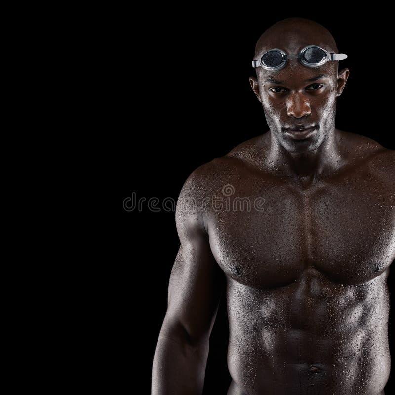 Nadador de sexo masculino profesional foto de archivo libre de regalías