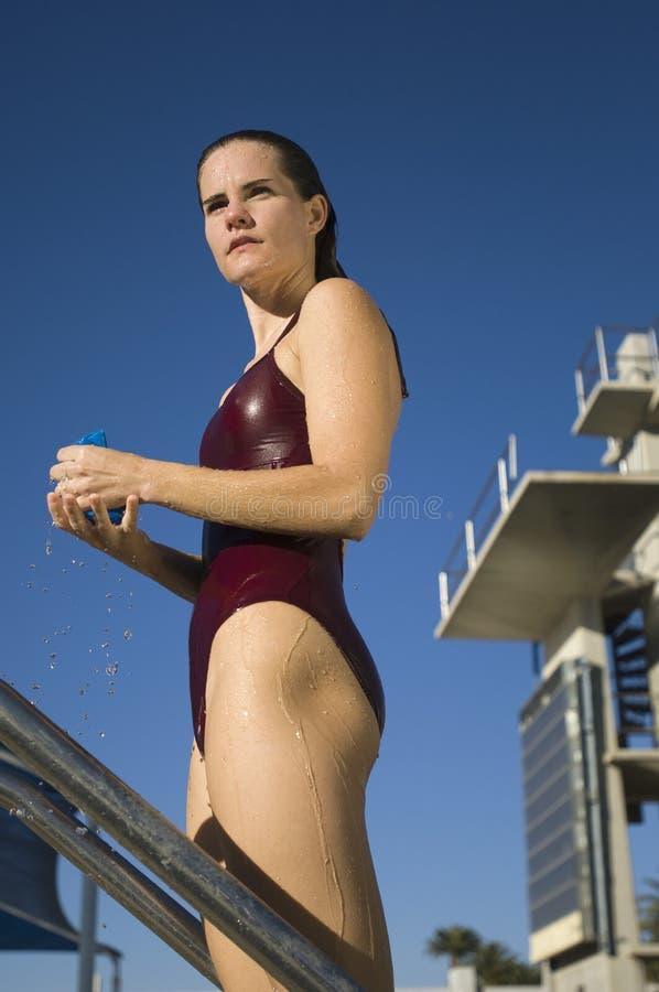 Nadador fêmea ativo fotografia de stock