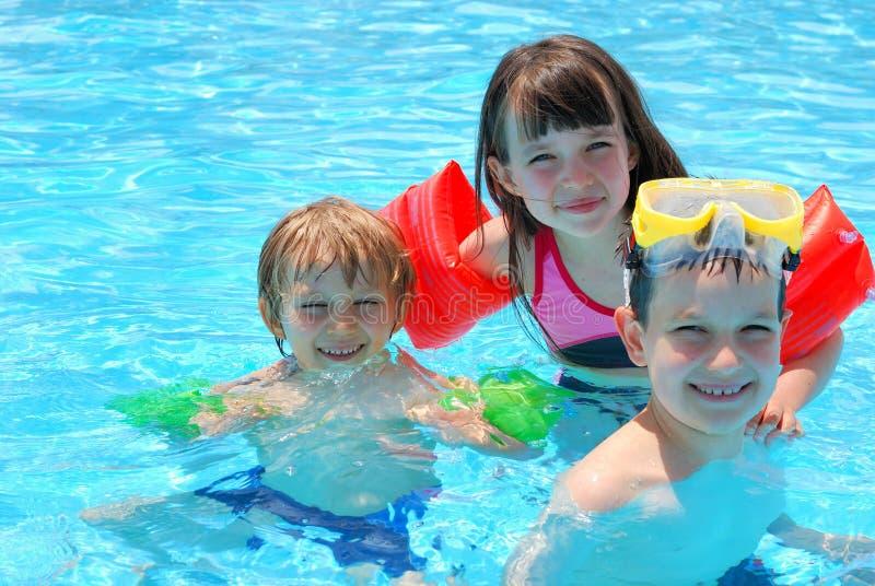 Nadadores felices fotografía de archivo
