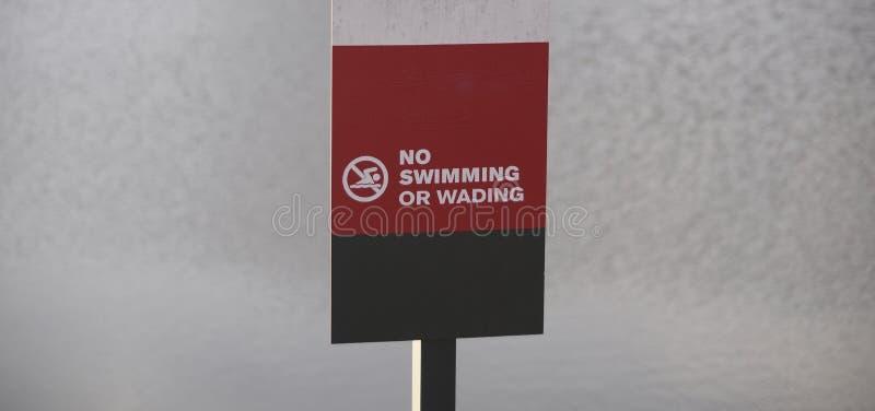 Nadar e vadear proibido fotografia de stock royalty free
