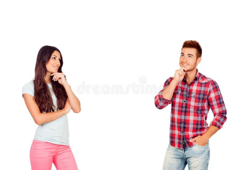 Nadenkend jong paar in liefde royalty-vrije stock afbeelding