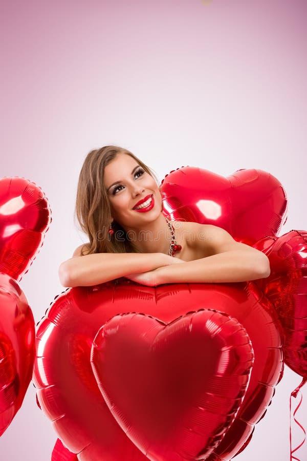 Nadenkende Valentine-vrouw stock afbeelding