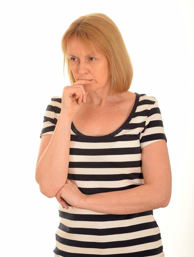Nadenkende vrouw stock foto's