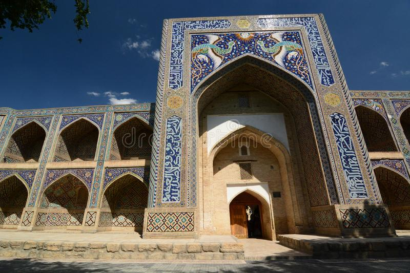Nadir Divan Begi madrasah byggda uzbekistan royaltyfria foton
