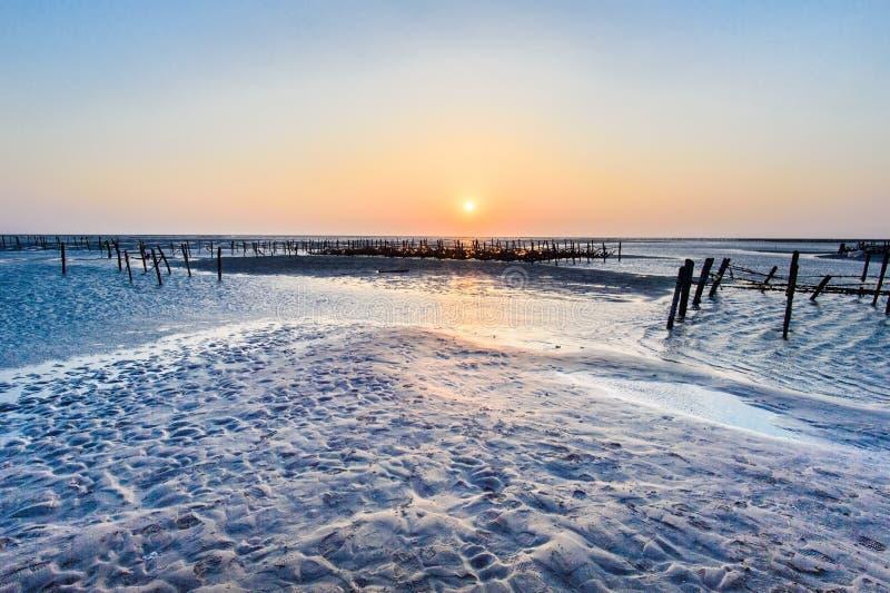 Nadmorski intertidal strefa z pięknym zmierzchem w Wangong obrazy royalty free