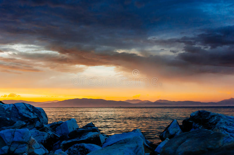 Nadmorski zmierzchu krajobraz zdjęcie royalty free