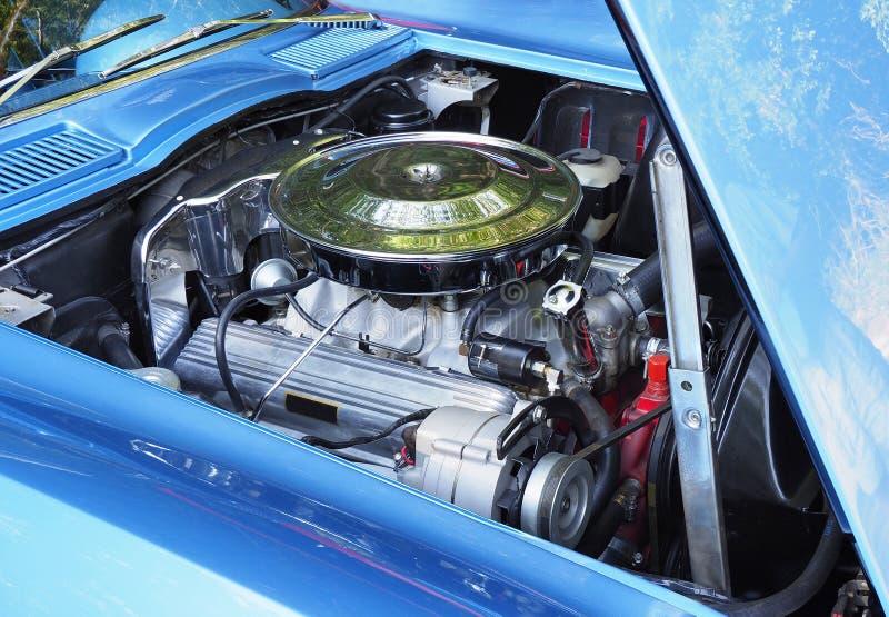 Nadruk Gestapeld Beeld van een Amerikaanse V8 Motor in jaren '60 ModelCar royalty-vrije stock foto