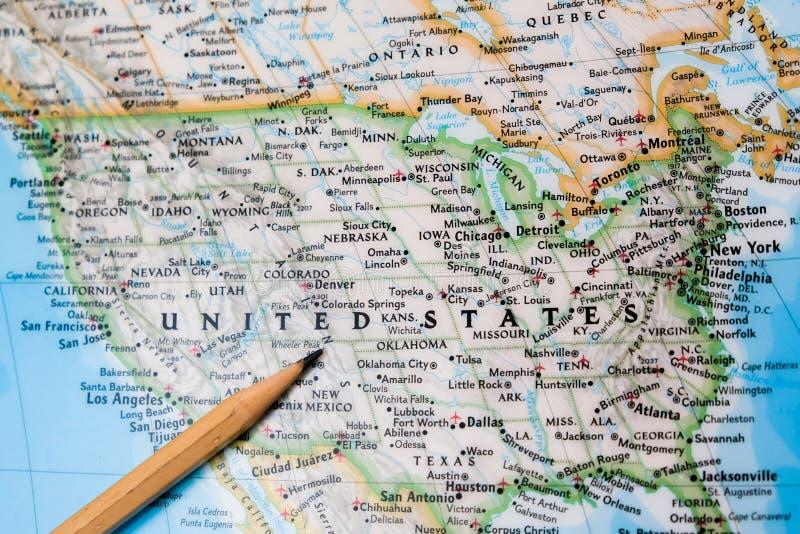 Nadruk op de Verenigde Staten van Amerika op de wereldkaart met penc royalty-vrije stock foto