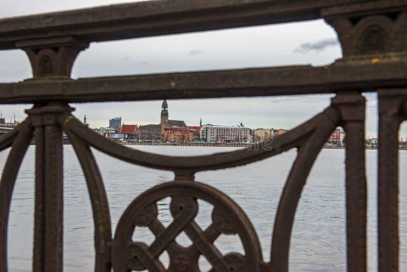 nadrzeczny widok stary centrum miasta Ryski, Latvia zdjęcia stock