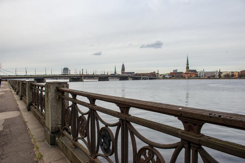 nadrzeczny widok stary centrum miasta Ryski, Latvia obraz royalty free