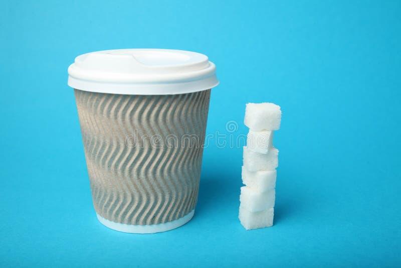 Nadu?ycie cukier w kawie i herbacie Cukrzyce zdjęcie stock