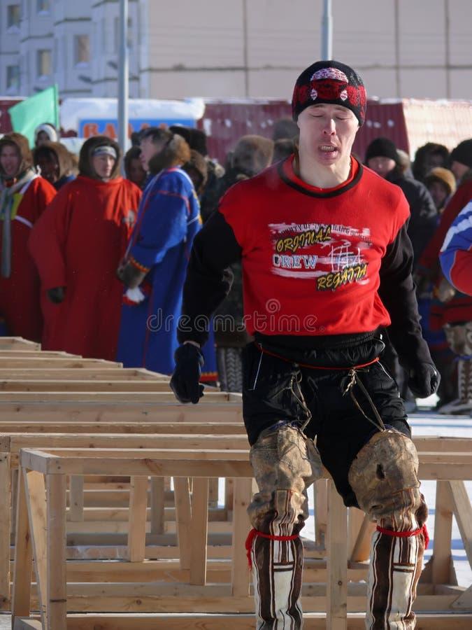 Nadym, Rusia - 15 de marzo de 2008: la festividad nacional - el día o foto de archivo libre de regalías