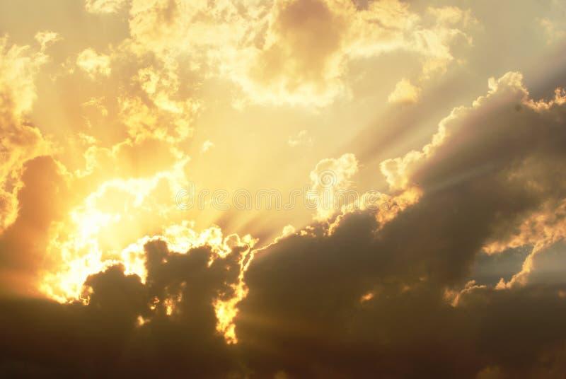 Nadziemscy wizerunki w chmurach fotografia royalty free