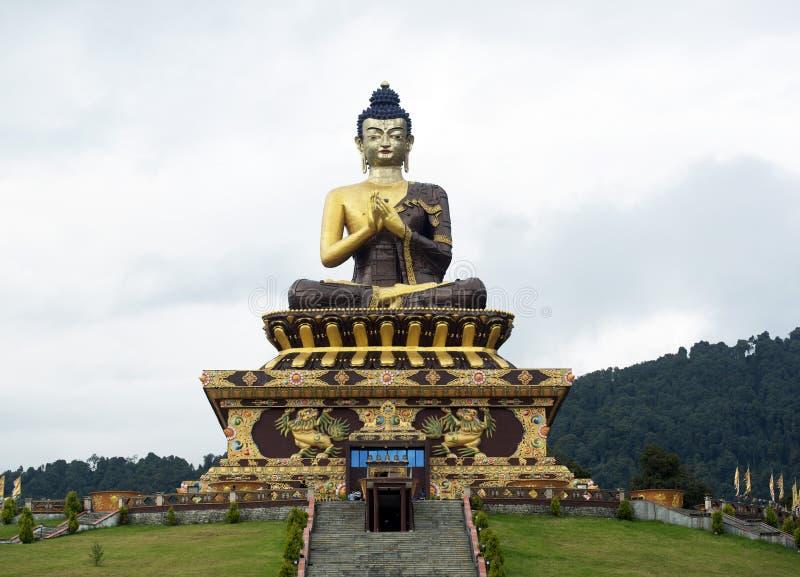 Nadzwyczajna statua Buddha obrazy stock