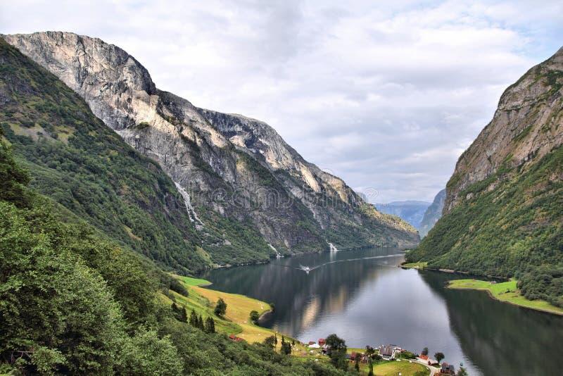 Naeroyfjordlandschap, Noorwegen stock afbeeldingen