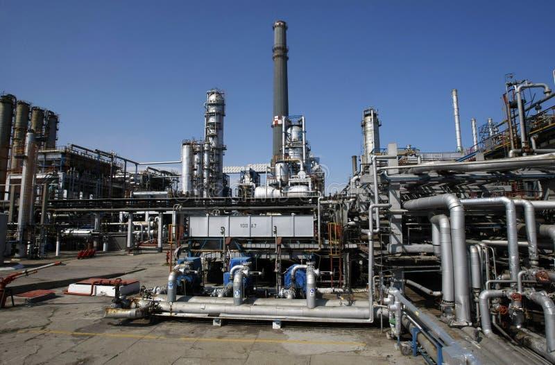 nafciana ropa naftowa piszczy rafinerię obrazy royalty free