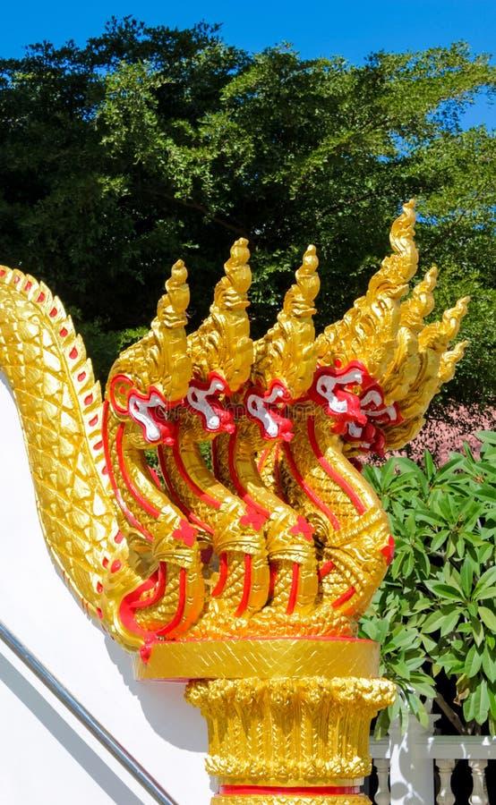 Naga de Phaya gardant le temple Wat en Thaïlande image libre de droits