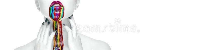 Naga kobieta z kreatywnie jaskrawą makijaż panoramą na bielu zdjęcie royalty free