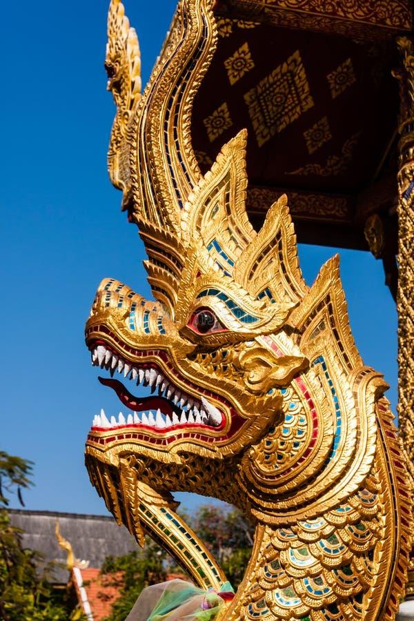 Download Naga W Wacie Phra Singh, Chiang Mai, Tajlandia Obraz Stock - Obraz złożonej z siam, pozłotnik: 28955707
