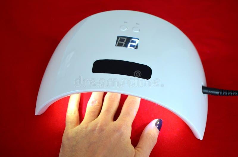Nagelgelsalon UVlampe mit Timer lizenzfreies stockbild