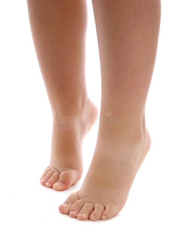 Nagie nogi i cieki dziecko obrazy stock