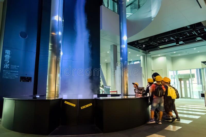Nagoya, Giappone - 18 novembre 2015: Displaye del simulatore della tempesta del Clary fotografie stock libere da diritti