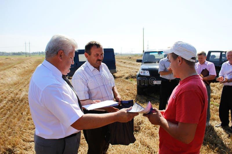 Nagradzać najlepszy rolniczych pracowników w Gomel regionie Białoruś obrazy royalty free