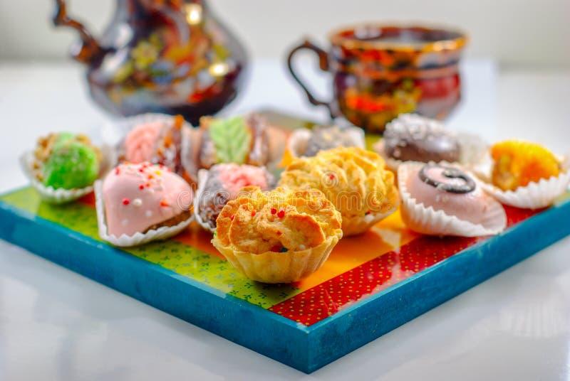 Nah?stliche Nachtische Arabische Bonbons Hennastrauch und Mimouna Cookies lizenzfreie stockfotografie